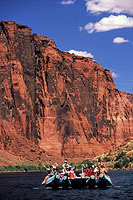 Colorado River rafting 2.jpg (189803 bytes)