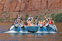 Colorado River rafting 9.jpg (162886 bytes)